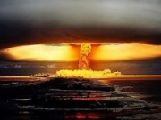 <b>美国绝密核试验视频大公开 核爆瞬间超震撼巨大蘑菇云缓缓上升</b>