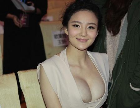 刘雨欣的乳晕晕了。