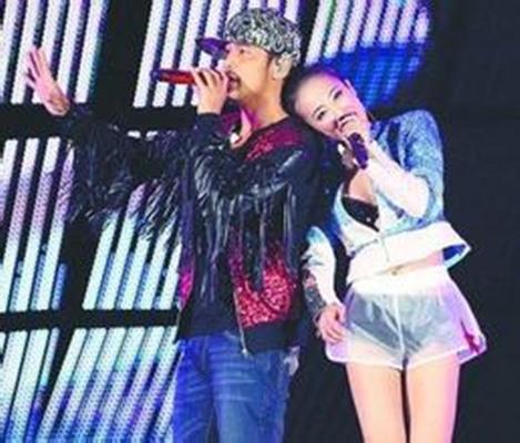 【图】曝周杰伦蔡依林接吻照片 揭秘两大歌星尴尬分手