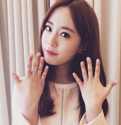 韩国可爱萌美小孩大笑图动态
