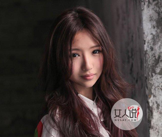 楼道王菲刘美麟录制 因为爱情串红网络歌坛小百灵竟终演 2