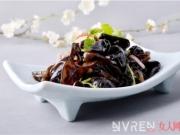 """被世界称之为""""中餐中的黑色瑰宝""""的木耳究竟怎么吃"""