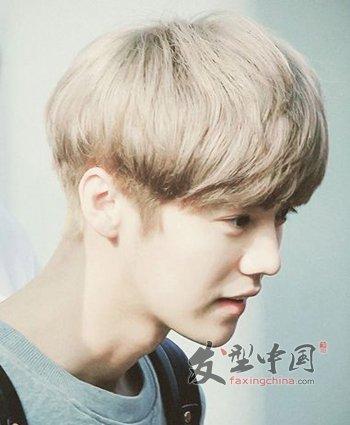 男生可爱蘑菇头发型 男生呆萌蘑菇头染发发型