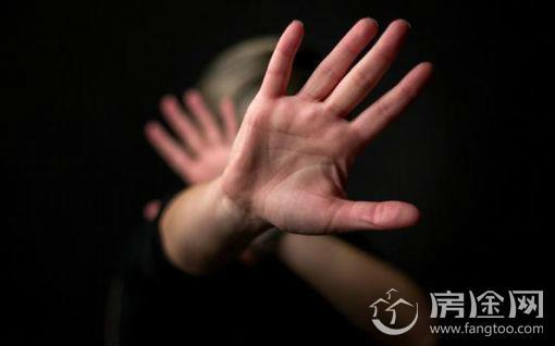 三男子KTV轮奸店主及服务员 酒后犯大案潜逃19年 全体被捕揭案情始末